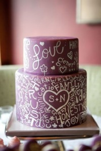 30-creative-and-lovely-hand-painted-wedding-cakes-19-500x749
