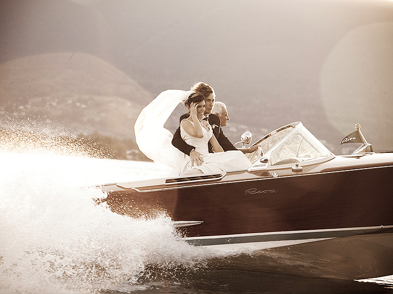 18_1destination_wedding_photographers_annecy_france_boat