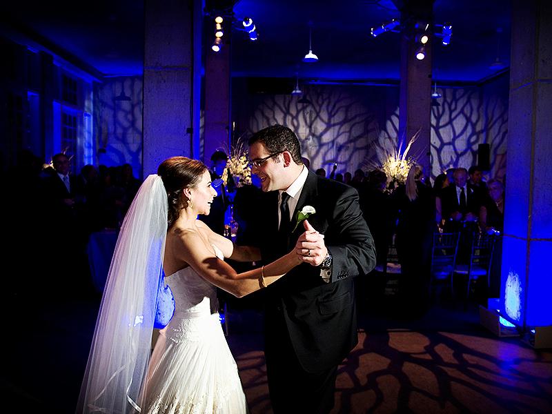 40-dancing-bride-and-groom