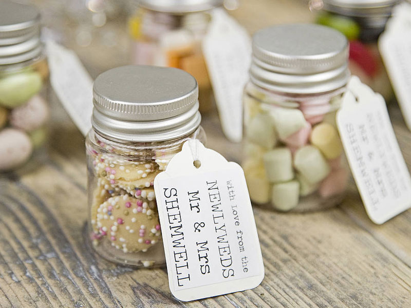 Top 5: What Door Gift To Prepare For Your Wedding Guests