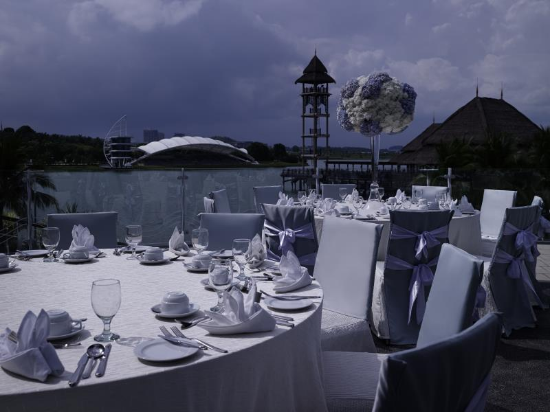 beautiful-outdoor-wedding-place