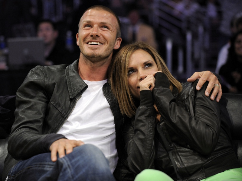 cute-couple-laughing