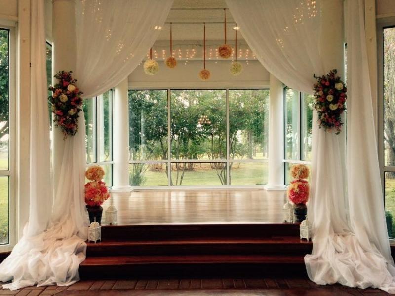 indoor-wedding-beautiful-malaysia's-weather