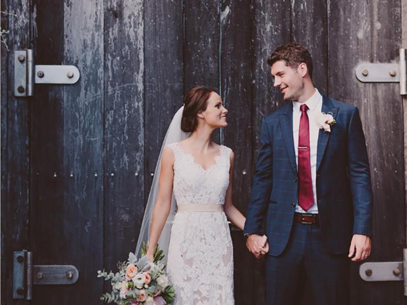 Outdoor-Wedding-Dress 02