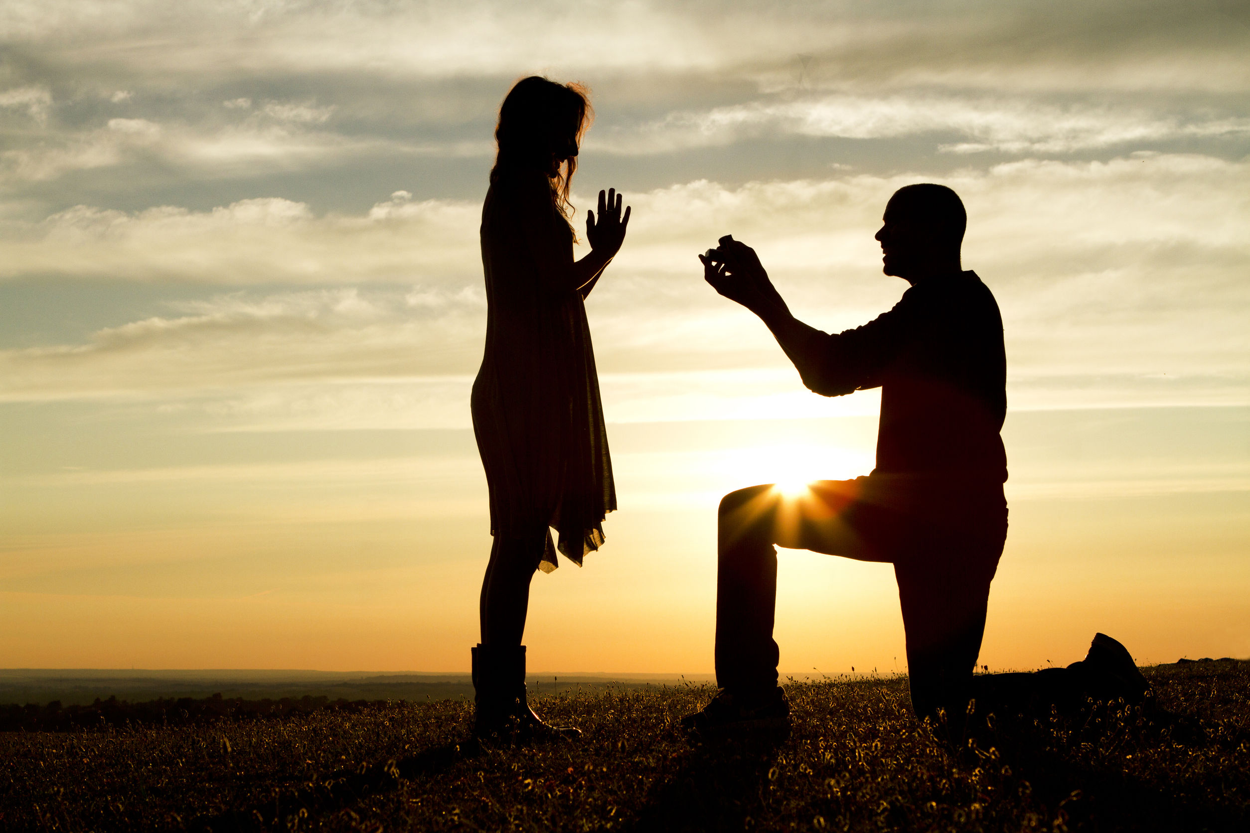 22650578 - sunset marriage proposal