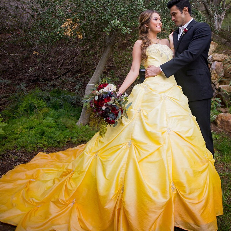 Is This Real An Impressive Beauty And The Beast Themed Wedding P M 95 1489700281013