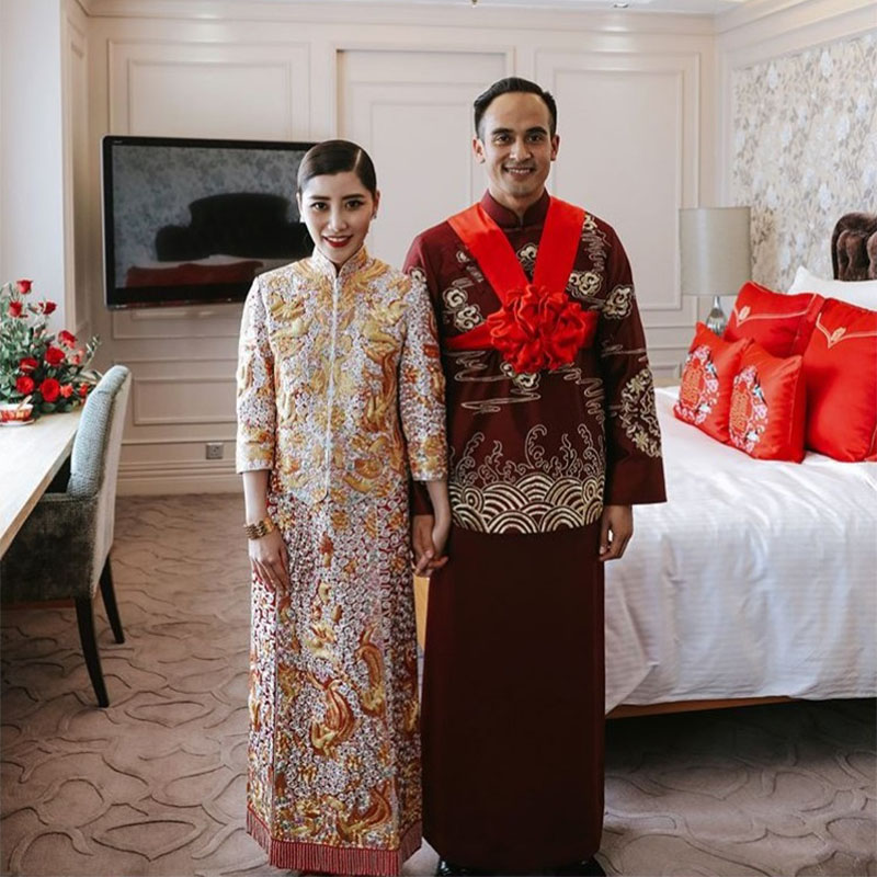 traditional chinese wedding wear samfu kunqua Faliq Nasimuddin and Chryseis Tan's Private Wedding